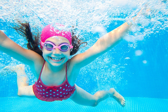What Is The Difference Between Salt Water, Mineral and Freshwater Pools?