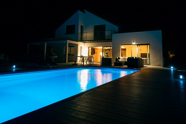 Pool Lights - The Best Ways To Light Your DIY Pool